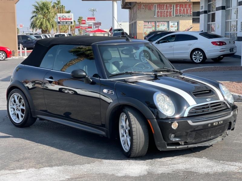 Mini Cooper Convertible 2005 price $7,995