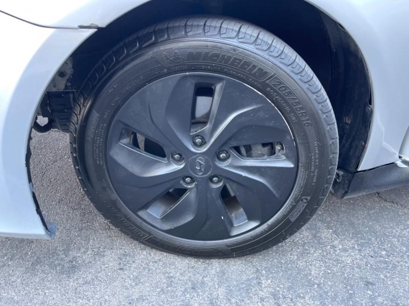 Hyundai Sonata Hybrid 2013 price $11,995