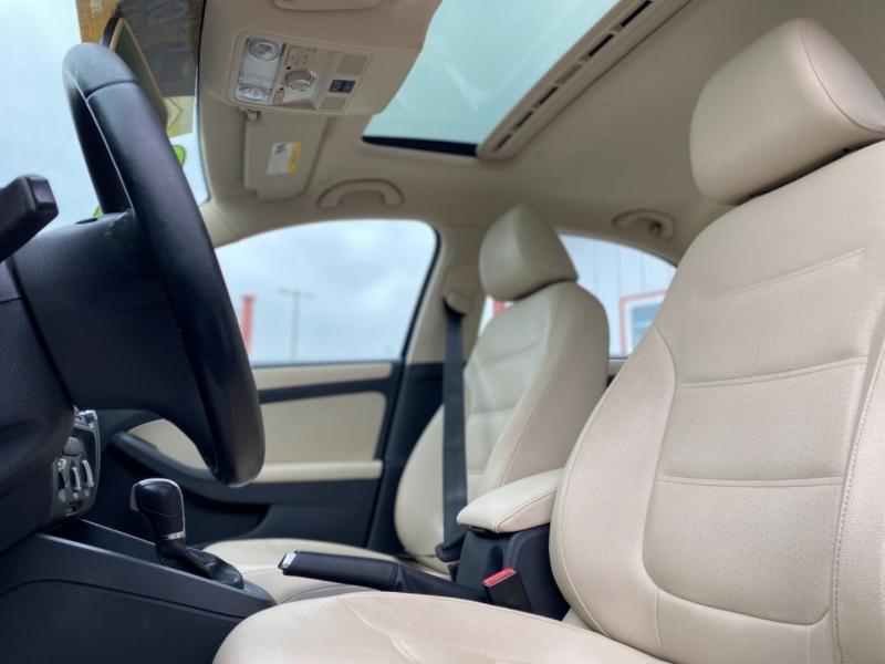 Volkswagen Jetta Sedan 2011 price $5,995