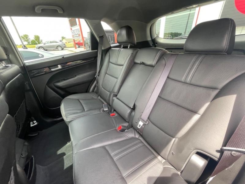Kia Sorento 2015 price $15,700