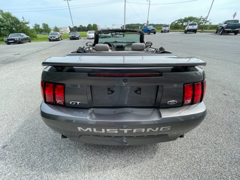 Ford Mustang 2003 price $8,995