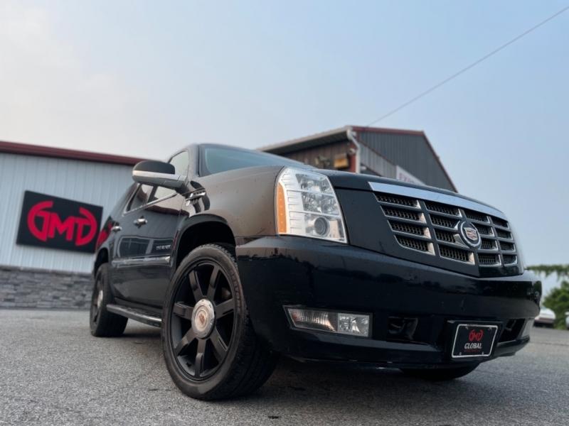 Cadillac Escalade 2013 price $29,999