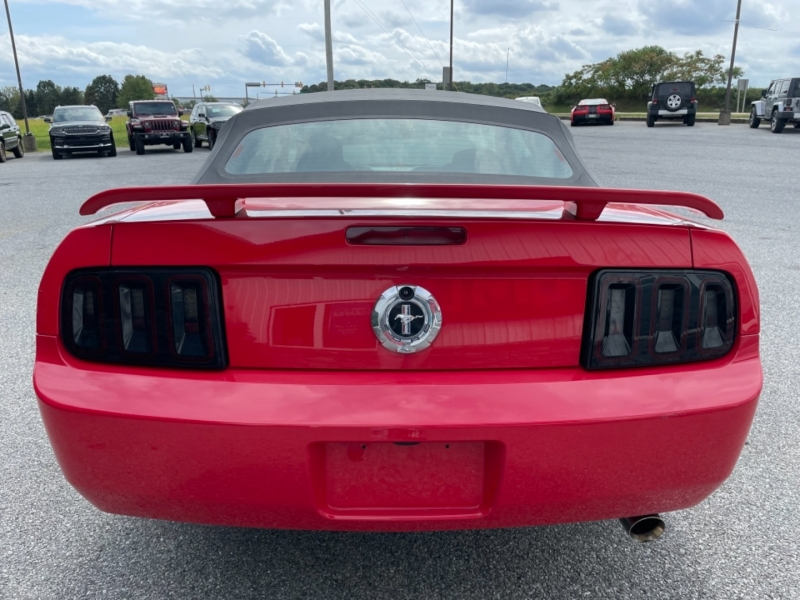 Ford Mustang 2007 price $12,500