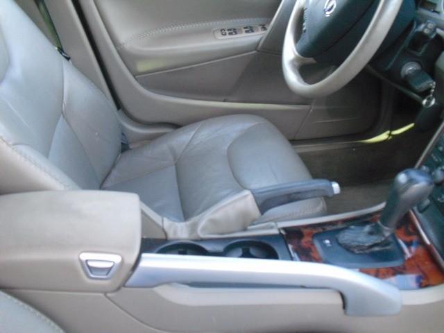 Volvo XC70 2006 price $5,800