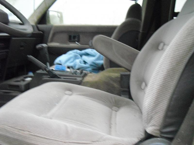 Toyota Vans 1989 price $1,200