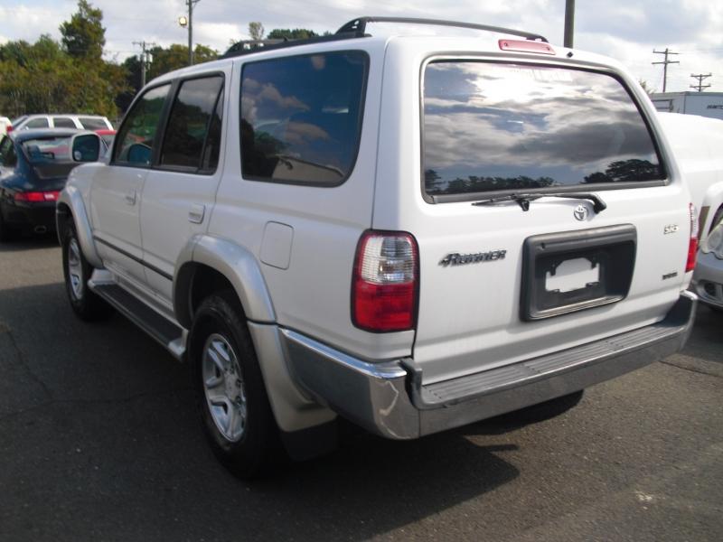 Toyota 4Runner 2001 price $7,800
