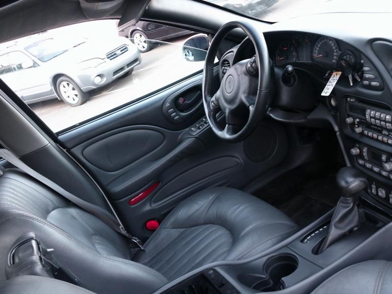 Pontiac Bonneville 2002 price $3,999