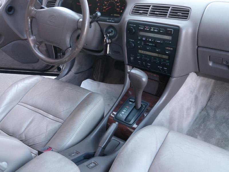 Lexus ES 300 1994 price $3,500