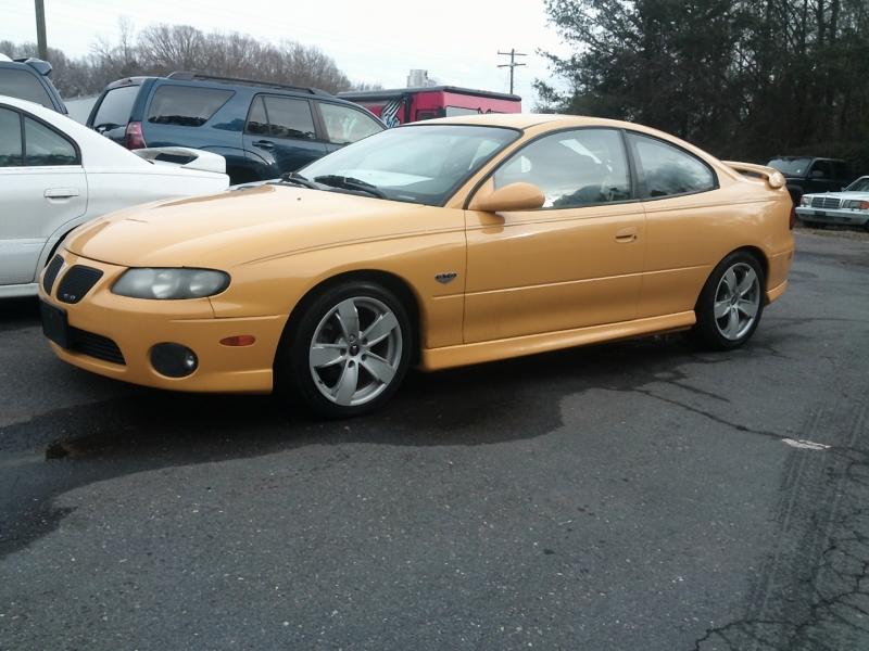 Pontiac GTO 2004 price $11,300