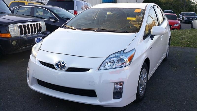 Toyota Prius 2010 price $9,410
