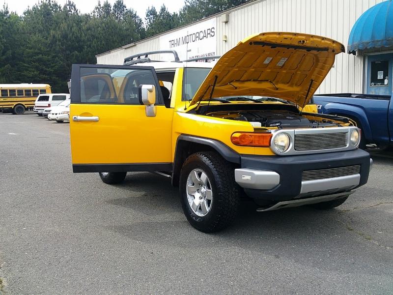 Toyota FJ Cruiser 2007 price $12,700