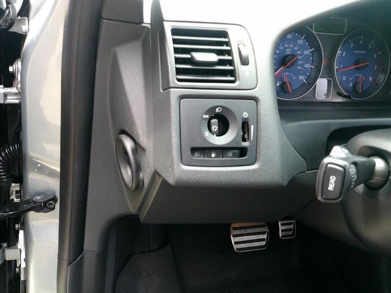 Volvo C30 T5 R 2011 price $9,950
