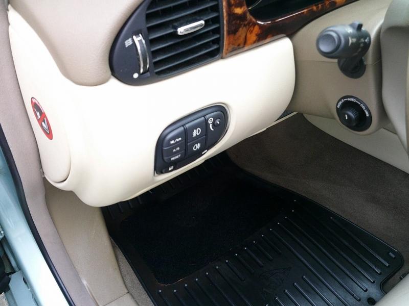 Jaguar XJ 2004 price $6,400