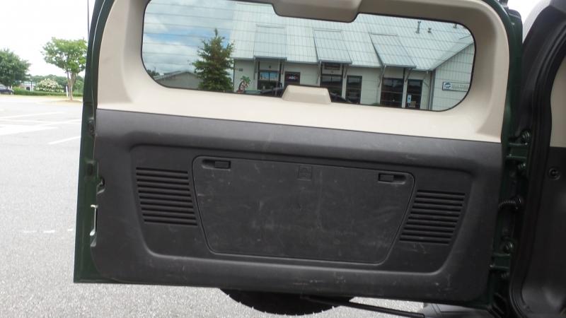 Hummer H3 2006 price $6,999