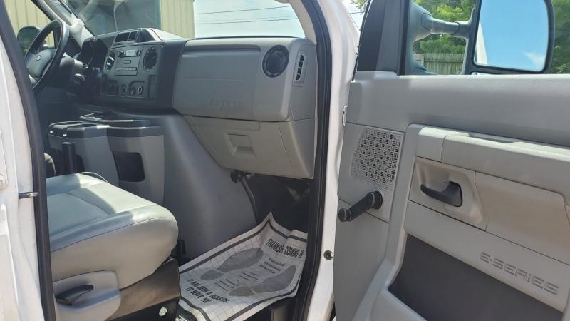 Ford Econoline Cargo Van 2011 price $10,995
