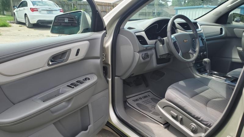 Chevrolet Traverse 2015 price $13,495