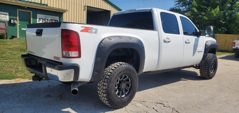 GMC Sierra 2500HD 2009 price $28,495