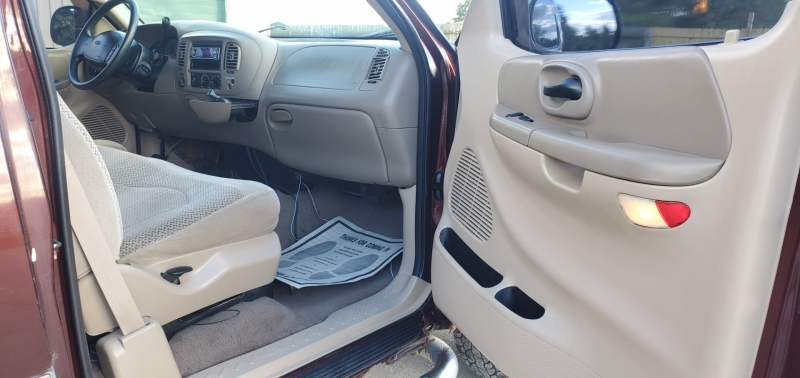 Ford F-150 2000 price $3,795