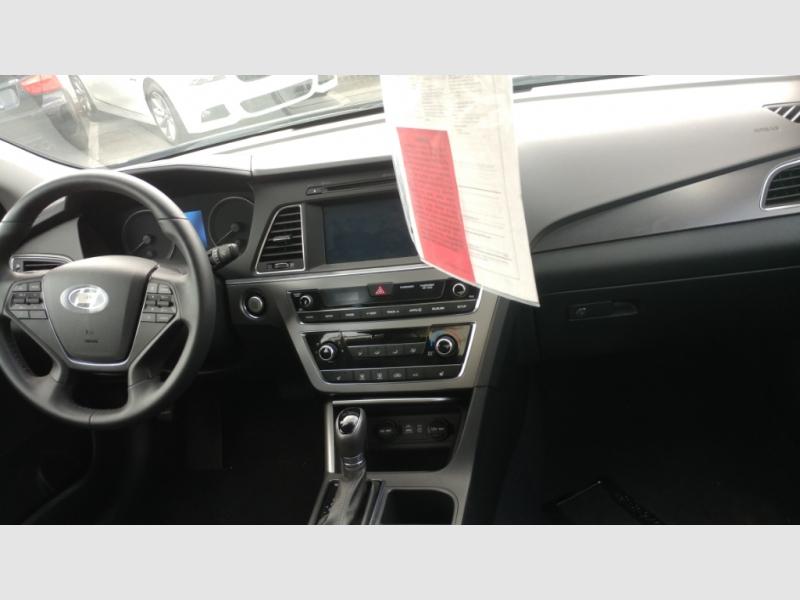 Hyundai Sonata 2016 price $14,999