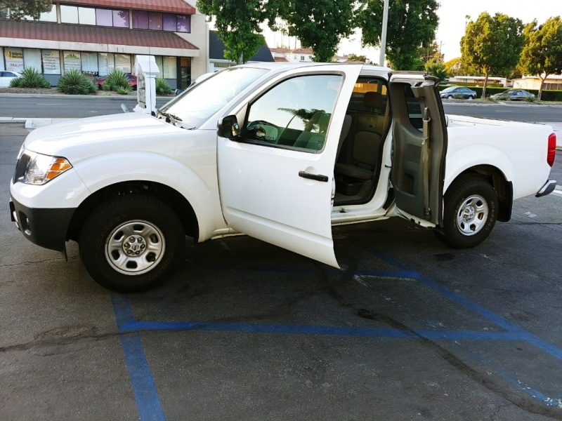 Nissan Frontier 2018 price $11,999