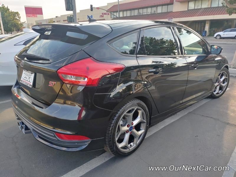 Ford Focus 2017 price $15,999 Cash