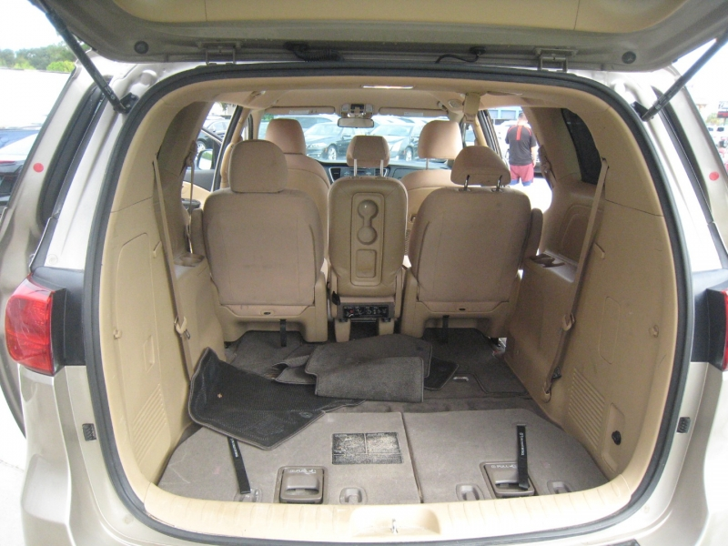 Kia Sedona 2016 price $12,495
