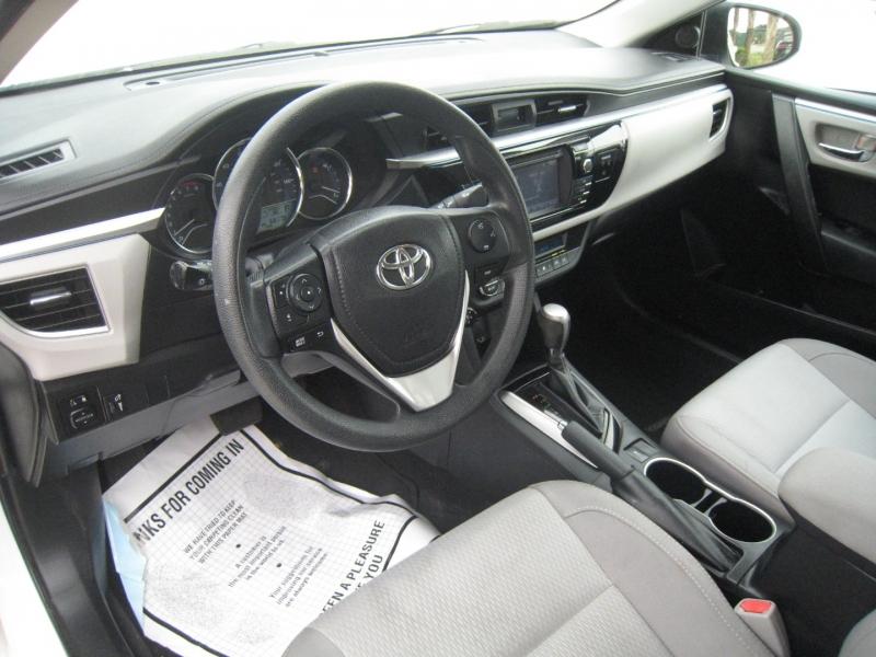 Toyota Corolla 2016 price $11,945