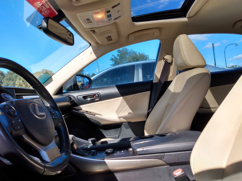 Lexus IS 200t 2016 price $18,495