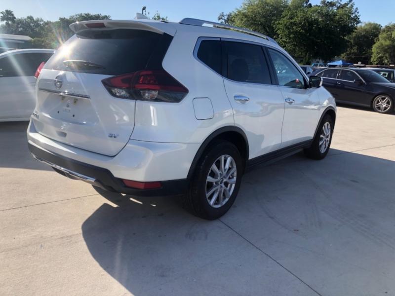 Nissan Rogue 2018 price $14,995