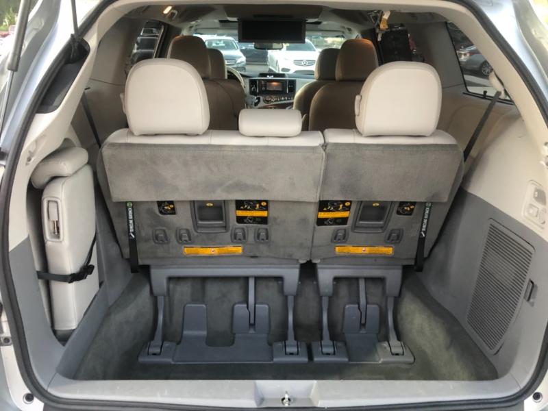 Toyota Sienna 2014 price $16,495