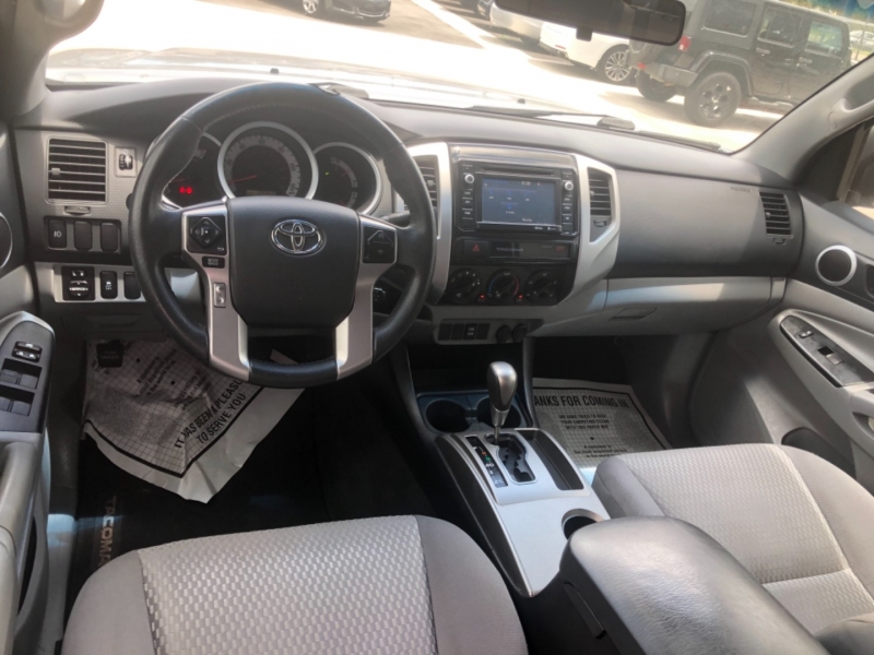 Toyota Tacoma 2015 price $25,995