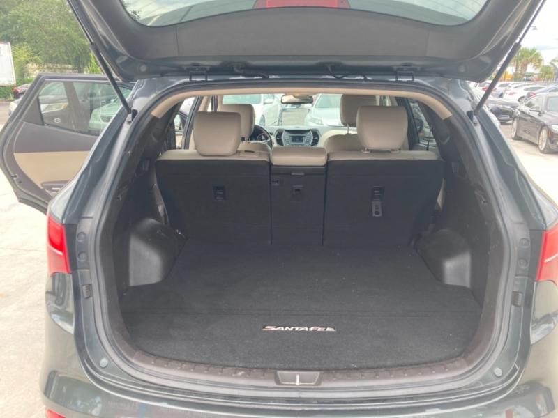 Hyundai Santa Fe 2013 price $12,950