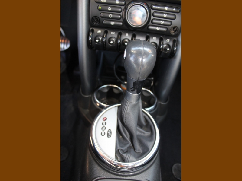 Mini Cooper Hardtop 2005 price $8,995
