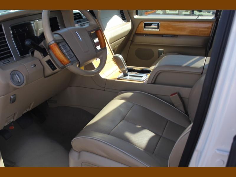 Lincoln Navigator L 2007 price $9,995