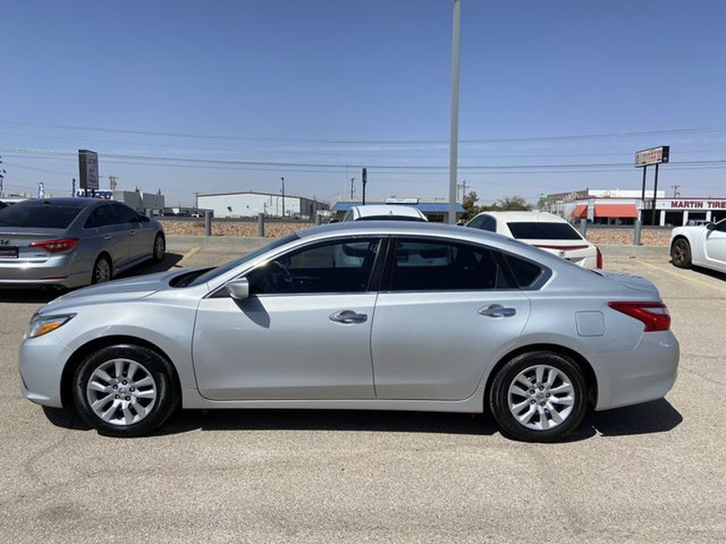 Nissan Altima 2017 price $12,995