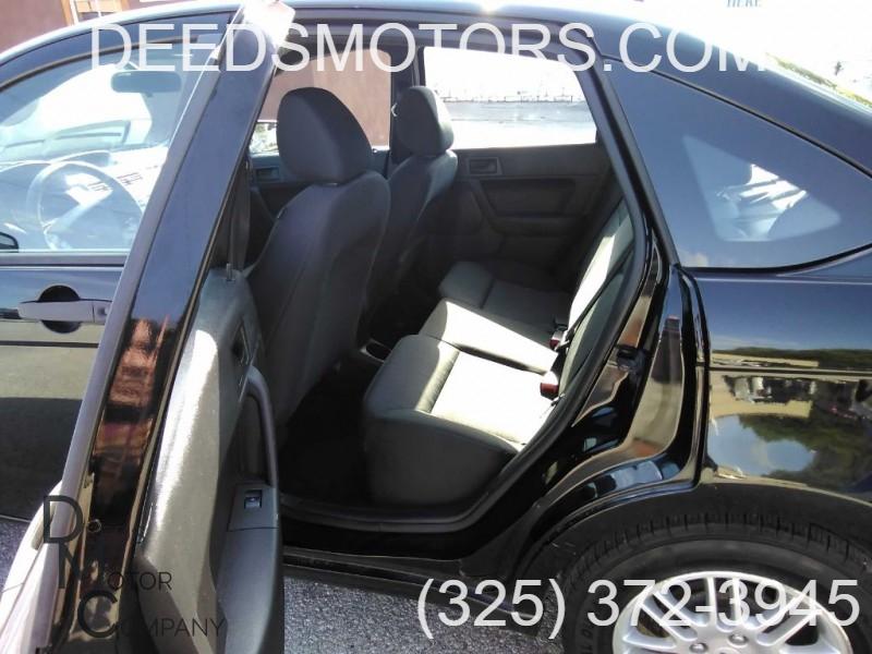 FORD FOCUS 2010 price $7,800