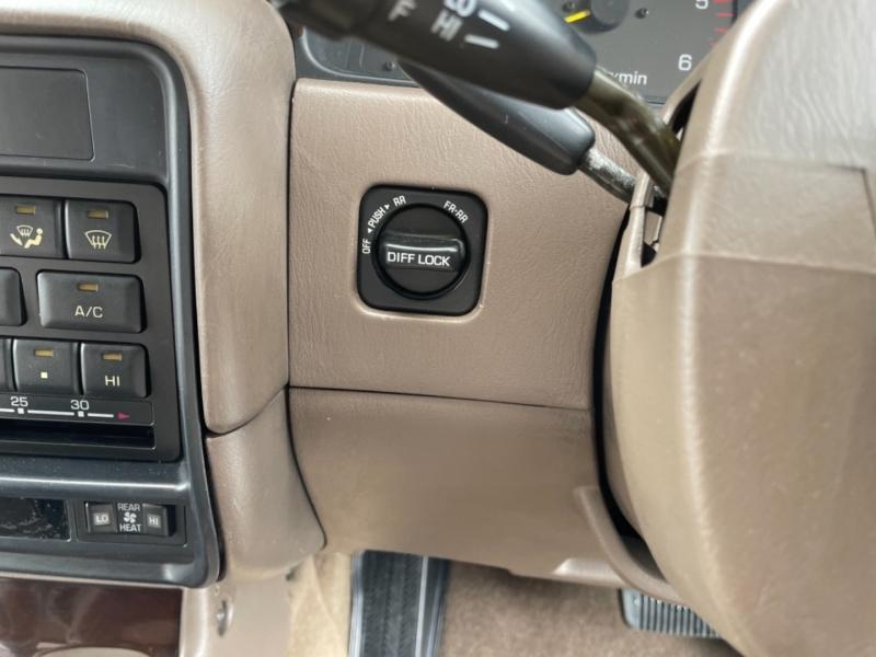 Toyota Land Cruiser 1995 price $29,995