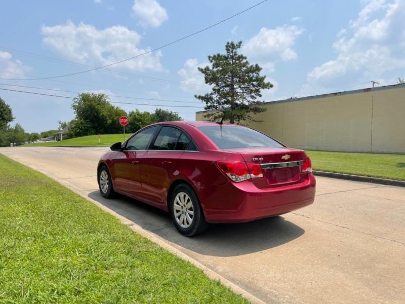 Chevrolet Cruze 2011 price $5,999