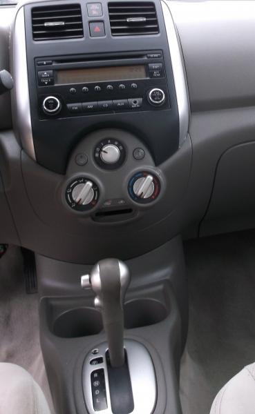 Nissan Versa 2014 price $4,000