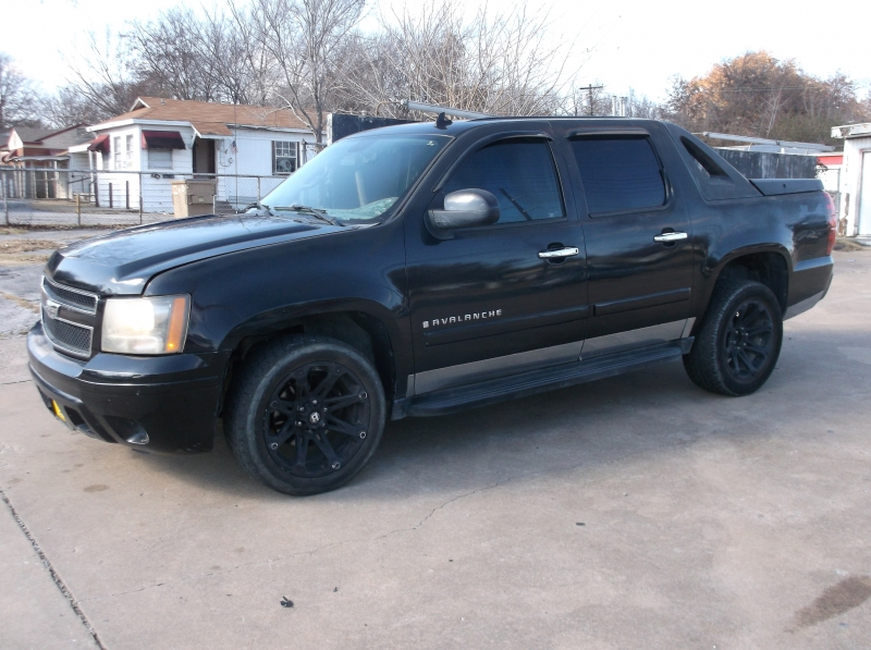 Chevrolet Avalanche 2008 price $6,000