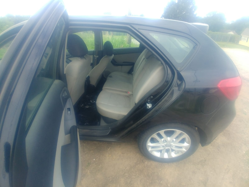 Kia Forte 5-Door 2011 price $4,000