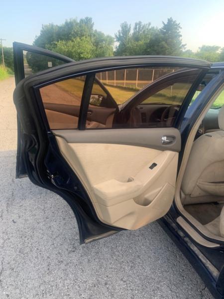 Nissan Altima 2010 price $3,500