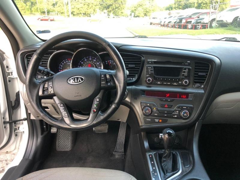 Kia Optima 2012 price $9,000