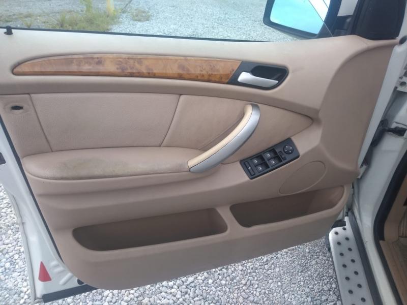 BMW X5 2002 price $3,000