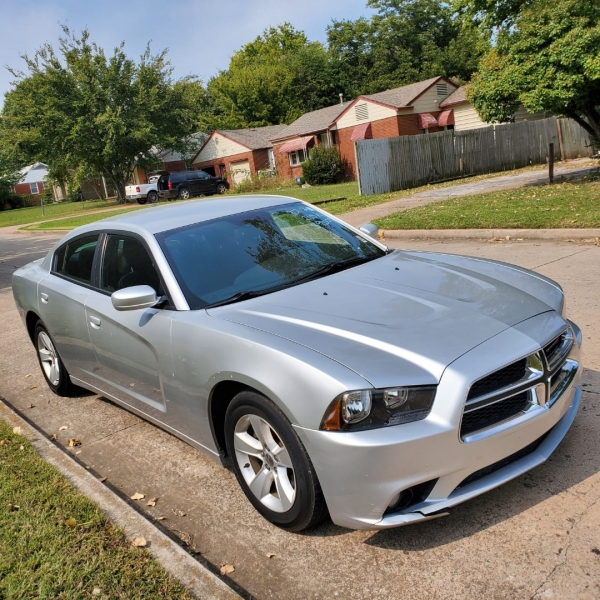 Dodge Charger 2012 price $9,000