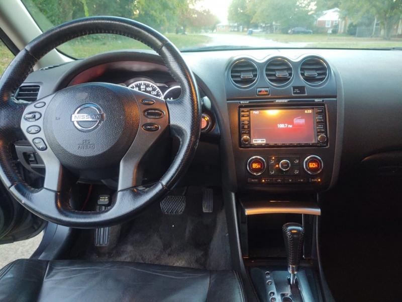 Nissan Altima 2011 price $6,000
