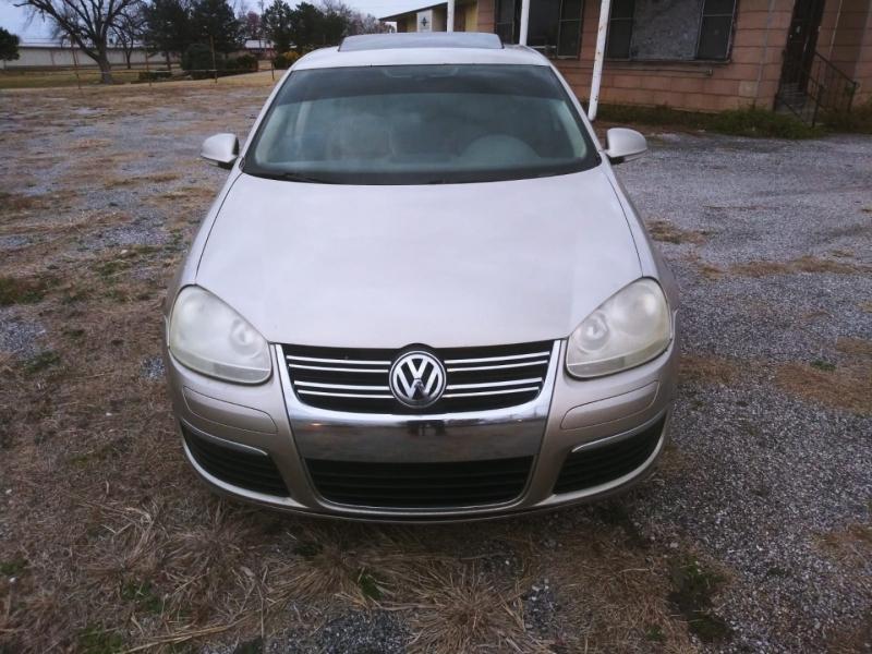 Volkswagen Jetta Sedan A5 2005 price $3,000