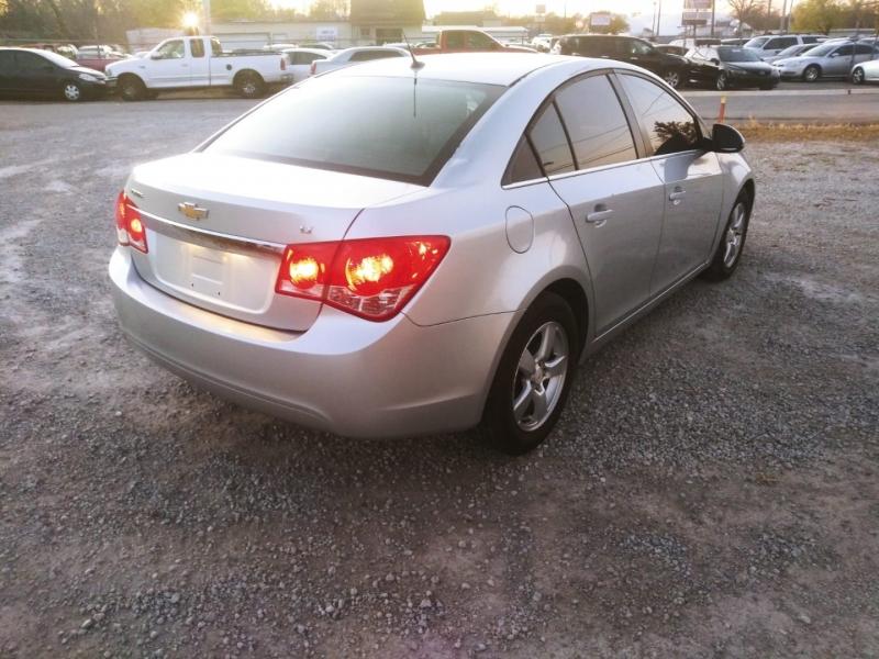 Chevrolet Cruze 2011 price $4,500