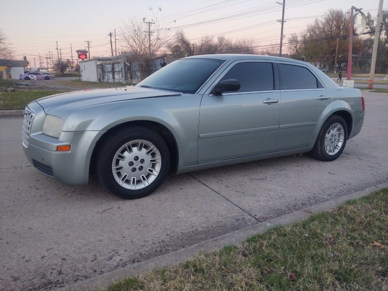 Chrysler 300 2005 price $5,000