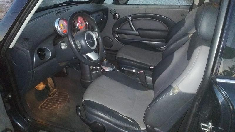 Mini Cooper Hardtop 2005 price $3,000